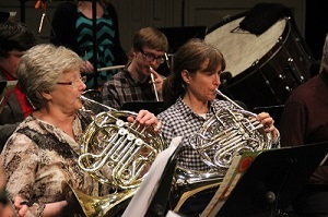 French Horns in concert