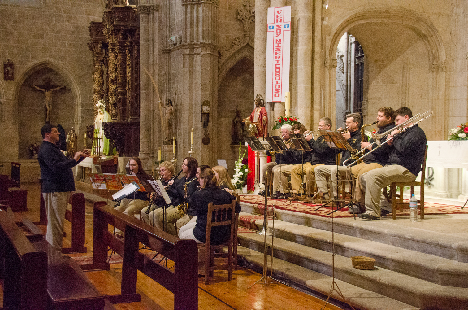 band performing in Aranda de Duero