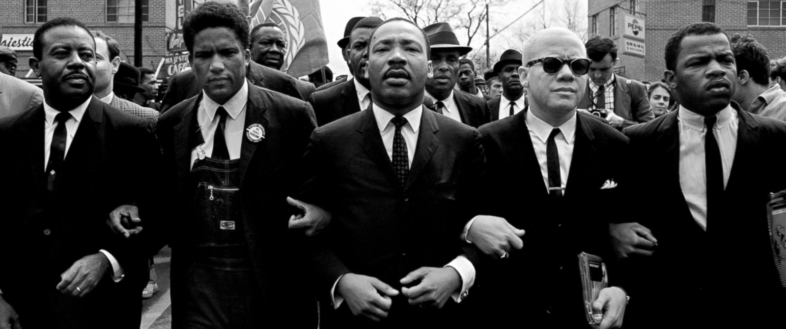 the civil rights movement martin luther The biography of martin luther king jr, the man who dedicated his life to the civil rights movement in the united states, including what his philosophy was, what he.