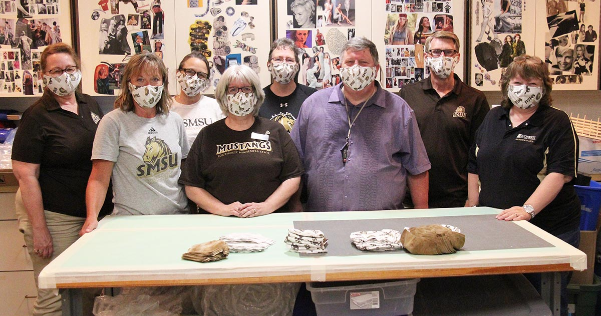 Mustang Mask Makers Go Above and Beyond to Welcome New Students